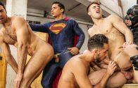 Batman V Superman – Allen King, Dario Beck, Massimo Piano, Topher DiMaggio & Trenton Ducati