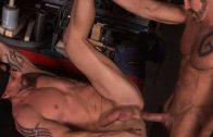 Joe Gage's Stopover in Bonds Corner – Dallas Steele & Mitch Vaughn