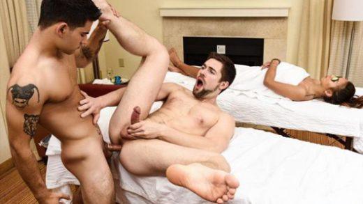 Couples Massage – Griffin Barrows & Vadim Black