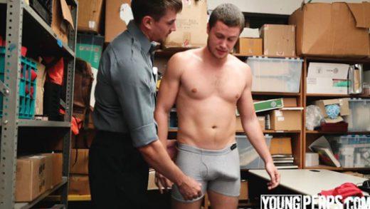 Petty Theft – Jack Hunter Fucks Perp