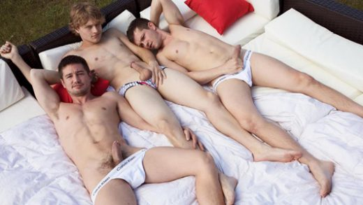 Fun in the Field – Colby Chambers, Mickey Knox & Robin Moore