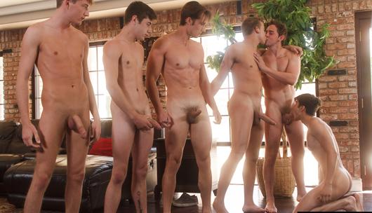 Splash – Josh Brady, Joey Mills, Corbin Colby, Cameron Parks, Luke Wilder & Angel Rivera