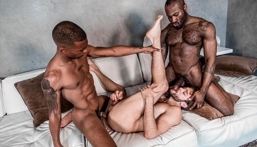 Stepbrother Threeway – Noah Donovan, Max Adonis & Jacen Zhu